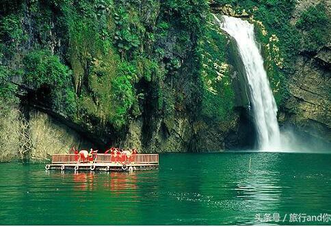 武隆喀斯特风景区景区介绍及旅游指南。