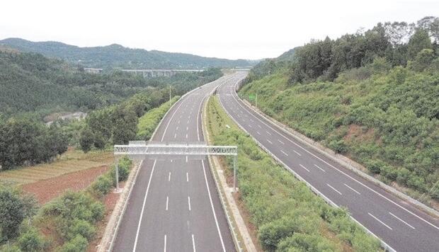 多项交通大项目正在逐步落地,德简高速预计年底全线通车