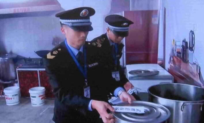 群体性食物中毒怎么办?广安市现场实战演练告诉你