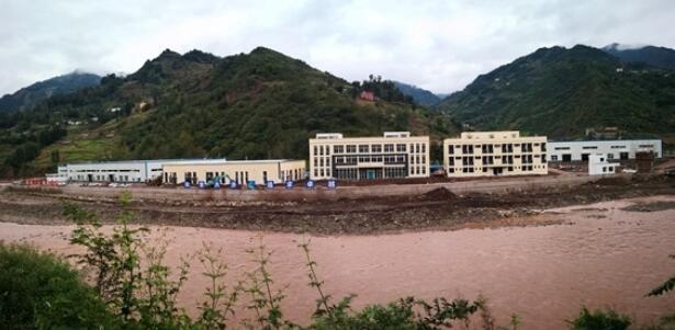 四川美姑县乐美扶贫工厂竣工 提供2000个就业岗位